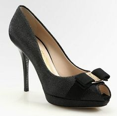Salvatore Ferragamo Varina Leather Bow Pumps