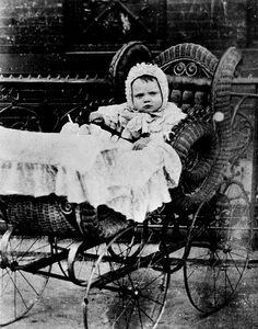 James Cagney as a baby. James Francis Cagney was born July 1899 in New York City, New York, and died March 1986 (age in Stanfordville, New York. James Cagney, Hollywood Stars, Classic Hollywood, Hollywood Men, I Love Cinema, A Star Is Born, Famous Faces, Famous Men, Life Magazine