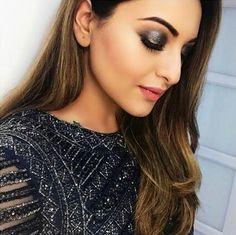 Latest photos of Sonakshi Sinha Indian Celebrities, Bollywood Celebrities, Bollywood Actress, Makeup Trends, Makeup Tips, Eye Makeup, Celebrity Makeup, Celebrity Look, Coral Lips