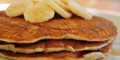 Egg, dairy and wheat-free banana pancakes Allergy Free Recipes, Vegetarian Recipes, Dairy Free Pancakes, Vegan Pancakes, Whole Food Recipes, Cooking Recipes, Banana Slice, Banana Pancakes, Unsweetened Almond Milk