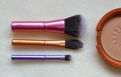 I was a little late to the party with Real Techniques, but now I've discovered them I just can't get enough. Pretty much every brush within their repertoire has found its way into my collection, the brushes offering an affordable… Youtube Sensation, Real Techniques, It Cosmetics Brushes, Beauty Queens, Mini, Cute, Kawaii