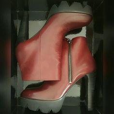 Plateau Stiefelette bordeaux Gr. 38 Zara, Nike, Wedges, Shoes, Fashion, Ladies Shoes, Kleding, Moda, Zapatos