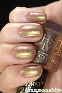 Swatches of Rimmel Metal Rush collection Metallic Gold Nail Polish, Yellow Nail Polish, Fall Manicure, Manicure Ideas, Nice Nails, Fun Nails, Save The Queen, Rimmel, All Things Beauty