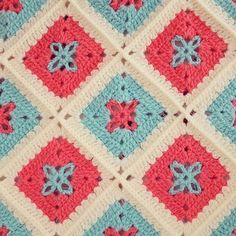 Sonunda #colourlove#handmade #handmadecrochet #cool#crochet #grannysquare#crocheting #crochetlover #crochetaddict #instacrochet #grannysquaresblanket #colouraddict #crochetblanket #knitting #koltukşalı #siparis #siparisalinir #bebekbattaniyesi #crochetbaby #crochetbabyblanket #colours#colourful