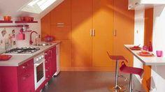 São tantos modelos disponíveis no mercado de pisos para cozinha que é difícil saber qual o melhor, suas vantagens e desvantagens. Clique na foto e descubra!