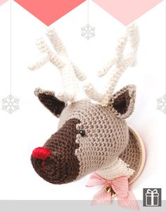 "Reeinder Christmas - Free Amigurumi Pattern - PDF Format - Click ""download this pattern FREE in PDF"" in red letters below picture here: http://www.katia.com/modelo.php?idRevista=8020&numero=127&letra=&lng=EN"