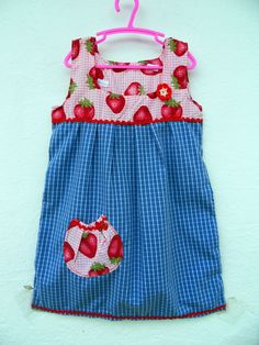 Einzelstück Unikat MädchenKleid Tunika Bluse Erdbeere karo Gr. 104 110 bunt