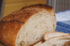 Hva er som godt brød? Landbrød, en sprø baguette eller dansk rugbrød. Håndverksbrød.