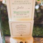 Foto: die bahrnausen  #Schriftstücke #Tischdeko #Papeterie #Hochzeitsdeko #Tischkarten #Menükarten #Hochzeitseinladungen #Hochzeitsmesse #BubeDameHerz #Düsseldorf