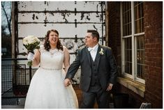 Groom looking at Bride laughing Dayton Ohio, Cincinnati, Laid Back Wedding, 2018 Year, Groom Looks, Engagement Session, Real Weddings, Laughing, Chelsea