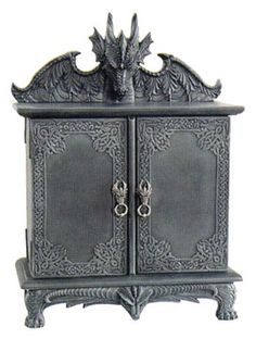 Gothic Lamp Dragon | Photo of the dragon cabinet's interior: