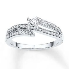 Promise ring. Princes cut.