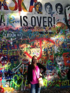 Fotografía: Cyndy Colorado- Muro de John Lenon John Lenon, Times Square, Colorado, Mini, Prague, Castles, Aspen Colorado, Colorado Hiking