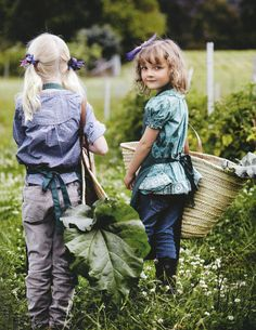 This beautiful country garden looks just the spot to laze away the weekend … photos by jared fowler for country style au Country Life, Country Girls, Country Living, Country Style, Happy Weekend, Beautiful Children, Farm Life, Cute Kids, Little Ones