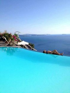 GREECE CHANNEL |  Relaxing in Santorini