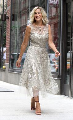 #SarahJessicaParker Sarah Jessica Parker - NYC's Times Square 07/11/2017   Celebrity Uncensored! Read more: http://celxxx.com/2017/07/sarah-jessica-parker-nycs-times-square-07112017/