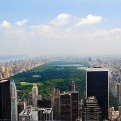Imagen de #NuevaYork que muestra los inmensos rascacielos bordeando el rectángulo que conforma el #CentralPark.