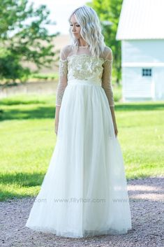 It's a Love Story Embroidered Detail Tulle Maxi Dress - Filly Flair Country Bridesmaid Dresses, Tulle Bridesmaid Dress, Bridal Dresses, Dresses For Sale, Cute Dresses, Flower Girl Dresses, Discount Dresses, Boutique Dresses, Wedding Styles