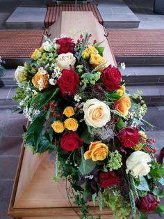 Rosen - Mix Funeral Flower Arrangements, Funeral Flowers, Funeral Sprays, Casket Sprays, Memorial Flowers, Sympathy Flowers, Bunt, Floral Wreath, Wreaths