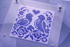 This beautiful love birds pattern set was made of Lapis Lazuli and White Sapphire high-precision cut cabochons with total of more than 2,000 pcs.