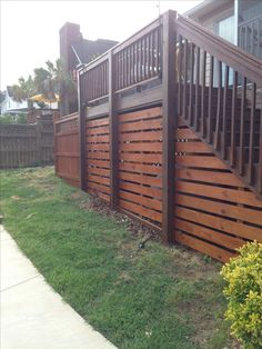 Are you thinking of how to build outdoor deck plans to beautify your outdoor living spaces? I have here how to build outdoor deck plans living spaces ideas. Deck Railing Design, Deck Railings, Deck Design, Deck Stairs, Decking Handrail, Horizontal Deck Railing, Landscape Design, Trex Decking, Composite Decking