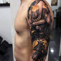 Samuraj tatuaże reka tattoos, cool shoulder tattoos i samurai tattoo slee Samurai Maske Tattoo, Hannya Maske Tattoo, Samurai Tattoo Sleeve, Samurai Warrior Tattoo, Warrior Tattoos, Cool Shoulder Tattoos, Half Sleeve Tattoos For Guys, Half Sleeve Tattoos Designs, Mens Shoulder Tattoo
