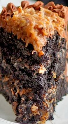 Der beste deutsche Schokoladenkuchen im ganzen Land The Best German Chocolate Cake in All the Land German chocolate cake recipe. I just used the cake recipe, it's an insanely good dark chocolate cake. Perfect with a ganache m! Dark Chocolate Cakes, Chocolate Recipes, Chocolate Covered, German Chocolate Cake Frosting, German Chocolate Cheesecake, Lindt Chocolate, German Chocolate Cookies, Chocolate Smoothies, Best German Chocolate Cake Recipe Ever