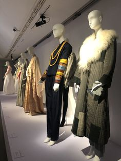 Lee Young, Muse, Fur Coat, Jackets, Dresses, Fashion, Down Jackets, Gowns, Moda