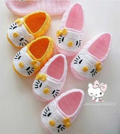 Best 12 Crochet Child Booties Crochet Baby Booties Supply : Crochet Baby Moccasins by debozark – ideas crochet kids slippers hello kitty for it's so sweettttt 😄😄😄 What do you think of this post ?Best 12 You will love Baby Girl Crochet Blanket, Crochet Baby Boots, Crochet Baby Sandals, Booties Crochet, Crochet Baby Clothes, Crochet Slippers, Baby Booties, Baby Shoes, Kids Slippers
