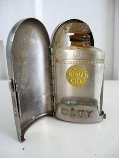 """Sweet Magnolias Farm Vintage Finds ~ Rare Lalique """"Chypre de Coty"""" perfume Casket with Original bottle ~ $127.50 sold"""