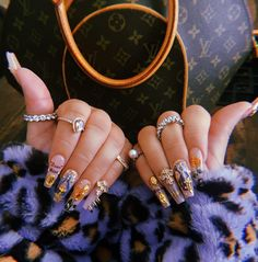 4 Super Easy Ways To Help Get Rid Of Premenstrual Bloating Gem Nails, Hair And Nails, Fire Nails, Best Acrylic Nails, Gorgeous Nails, Trendy Nails, Nail Inspo, Swag Nails, Nails Inspiration