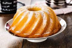 Presentazione La ciambella alla panna è un classico dei dolci fatti in casa, si prepara in modo semplice e veloce, può essere consumata a colazione o come