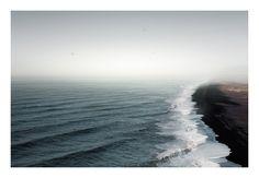 Coastline (Iceland, 2010) © Manuel Irritier
