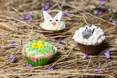Kuppikakut pääsiäisasussa | K-ruoka #pääsiäinen #easter #cupcake Cake Cookies, Cupcakes, Katana, Desserts, Food, Tailgate Desserts, Cupcake Cakes, Deserts, Essen