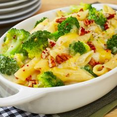 🍴Zapečené bezlepkové těstoviny recept – rychle, zdravě a jednoduše 🍴 Jimezdrave.cz Brocolli Recipes, Chicken Broccoli Pasta, Chicken Pasta Bake, Pasta Recipes, Baked Chicken, Irish Stew, Recipe Using Pumpkin, Bacon Pasta Bake, Pasta Facil