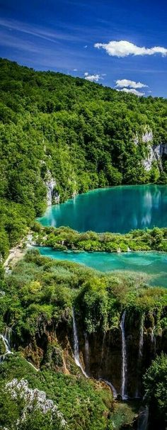 36 Unreal Places You Thought Only Existed in Your Imagination Es gibt soooo viel zu entdecken! Unter andere den Plitvice lakes National Park in Places Around The World, Oh The Places You'll Go, Places To Travel, Places To Visit, Travel Destinations, Parc National, National Parks, Wonderful Places, Beautiful Places