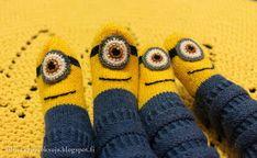 Silmukanjuoksuja: joulukuuta 2015 Gloves, Slippers, Bananas, Winter, Winter Time, Slipper, Banana, Fanny Pack, Flip Flops