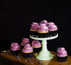 bakministeriet: One bowl vanilla- & blueberry cupcakes