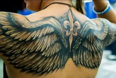 ▷ Cool and Inspirational Wing Tattoo Designs and I .- ▷ 1001 + coole und inspirierende Flügel Tattoo Designs und ihre Beudetungen tattoo angel wings on the back and shoulders, symbol, feather - Wing Tattoo Men, Wing Tattoos On Back, Wing Tattoo Designs, Back Tattoos For Guys, Tattoos For Women, Tattoo Women, Back Tattoo Men, Bild Tattoos, Hot Tattoos
