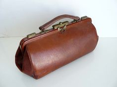 love the gladstone bag