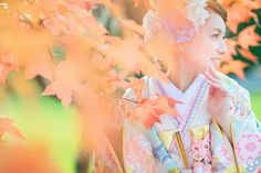 紅葉の季節、かわいい水色の色打掛で和装前撮り。 フォトウエディング