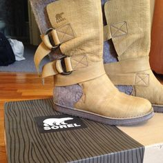 Sorel winter boots! Only worn once, no signs of wear. Great winter boots! Fits 8 & 8 1/2 SOREL Shoes Winter & Rain Boots