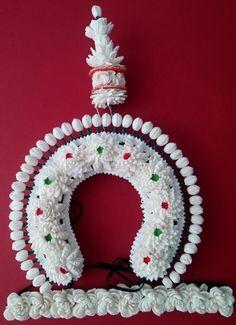 Very delicate. Mandala Design, Mandala Art, Bridal Wedding Dresses, Wedding Bride, Artificial Garland, Indian Classical Dance, Indian Costumes, Floral Hair, Headgear