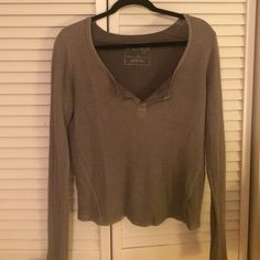 FREE PEOPLE Super cute free people thermal! Perfect for the winter and fall and also looks super cute with shorts! Can be worn both on its on and layered! Really comfy and very versatile! Free People Tops