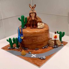 10 Most Beautiful looking Coyote Cake Design that you can make or get it made on the coming birthday. Peter Pan Cakes, Aladdin Cake, Cool Cake Designs, Cake Flour, Baking Tips, Beauty And The Beast, Baking Soda, March, Desserts