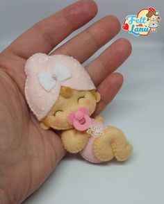 Discover thousands of images about trendy craft felt projects embroidery Crafts For Boys, Toddler Crafts, Needle Felting Tutorials, Felt Baby, Baby Baby, Felt Patterns, Baby Kind, Felt Toys, Felt Ornaments