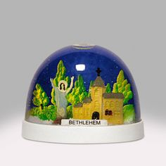 Last Supper Snow Globe Snow Globe Kit, Diy Snow Globe, Christmas Snow Globes, Glass Paperweights, Glass Domes, Vintage Snow Globes, Nativity Church, Golden Buddha, Water Globes