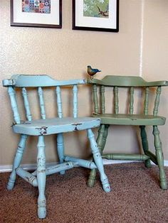 Love these colors on the colonial chairs