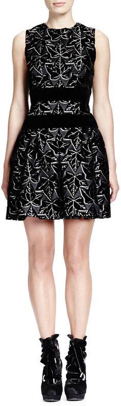 Alexander McQueen Sleeveless Ivy-Print Dress with Velvet Bands, Black/White