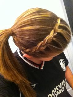 Quick and Easy Updo. For school, sports, or to be lazy. Quick and Easy Updo. For school, sports, or Volleyball Hairstyles, Sporty Hairstyles, Pretty Hairstyles, Easy Hairstyles, Girl Hairstyles, Updo Hairstyle, Athletic Hairstyles, School Hairstyles, Wedding Hairstyles